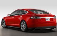 Tesla Model S P85D Otomatik Pilotlu Geldi