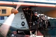 Güneş enerjili uçak Dünya turuna başladı