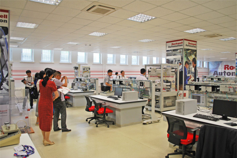 RockwellAutomation itü otomasyon laboratuvarı