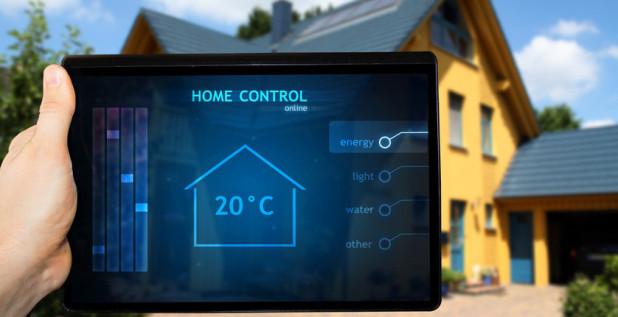 Uzaktan ev kontrol sistemi