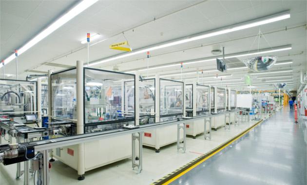 Omron, Philips'deki çığır açan montaj konseptinde 200 robot ile kalite, karlılık ve esneklik sağlıyor