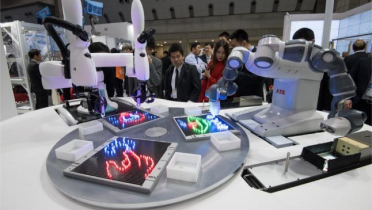 ABB ve Kawasaki işbirliği temelli robotlara dünyanın ilk ortak arayüzünü geliştirdi.