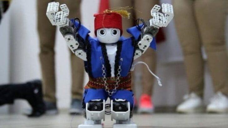 Harmandalı Oynayan Robot Avrupa Temsilcimiz Oldu